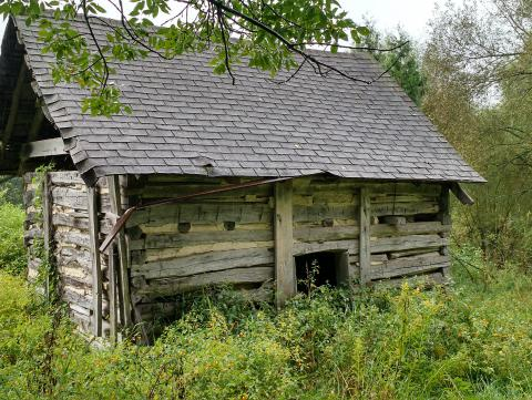 Timber Frames - Log Cabins   Old Wood New Use